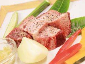 和牛厚切りタンステーキ